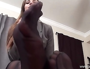 Therapist tease with her feet