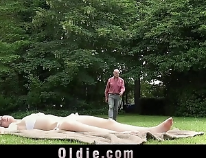 Dad Copulates Teen Represent Young gentleman Cums In Her Mouth To Swallow