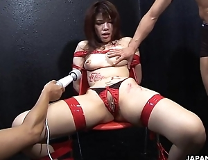 Asian trull getting fingered and toy fucked in all