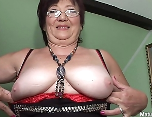 Mature Slut Gets Drilled
