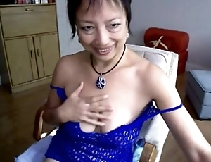 Asian Mature Hot Masturbation in Webcam - More on Random-porn.com
