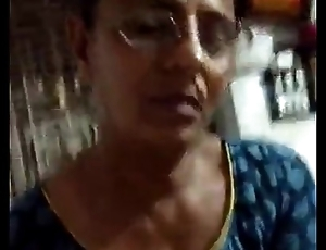 Indian desi mature mumbai aunty sucking and fondling hubby&rsquo_s thick cock - Wowmoyback