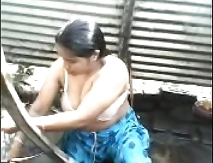 Indian Desi aunty topless outdoor uncontaminated take into custody - Wowmoyback