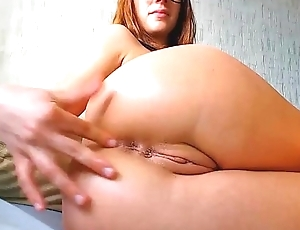 Redhead Nerd with Glasses Close-up Love tunnel on cam - GirlTeenCams.com