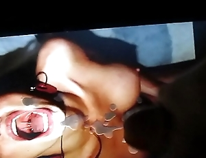 Cum on woman with open mouth.MOV
