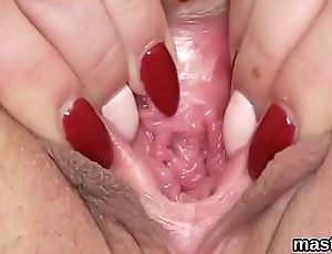 Sexy czech unladylike gapes her juicy vagina to the extreme